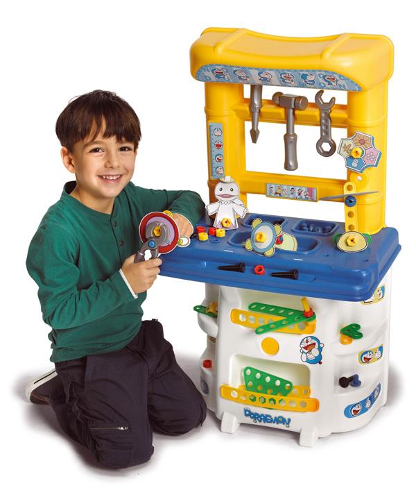 A jugar con doraemon y su pizarra cocina taller de for Cocina ninos juguete
