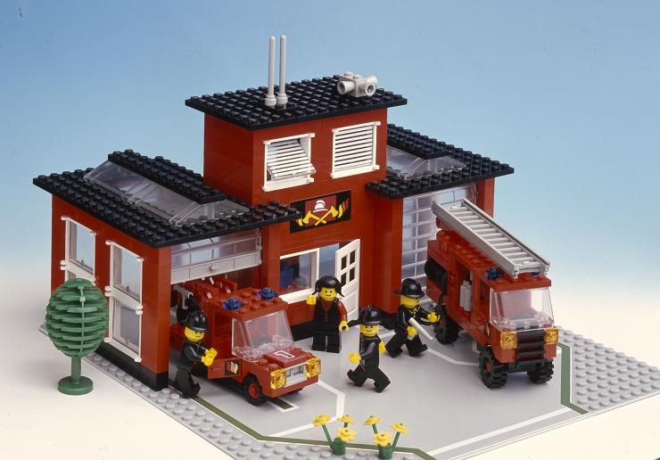 LEGO-parque-de-bomberos-años-80