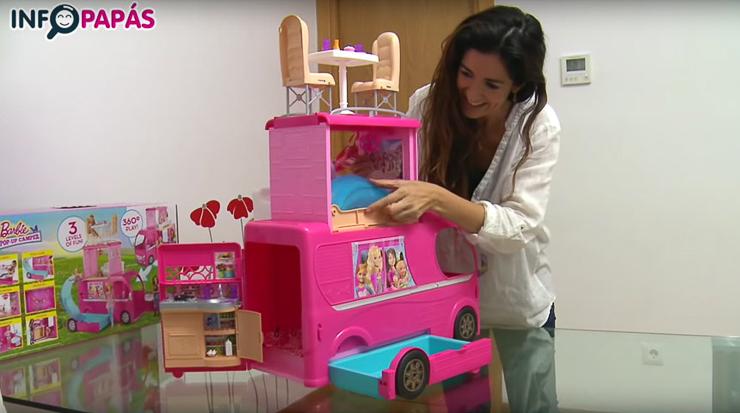 Jugamos con la autocaravana superdivertida de barbie un sue o blog de juguetes - La casa de barbie de juguete ...