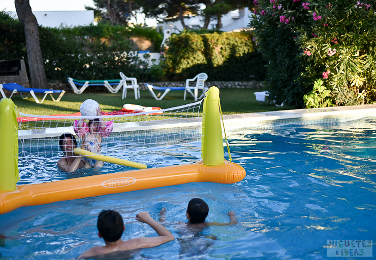 Juego de voley para la piscina de intex for Ideas para piscinas intex