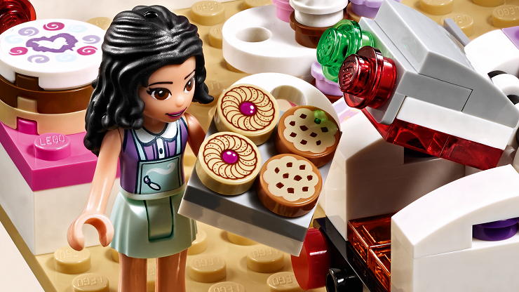 lego-friends-cafe-del-arte-emma