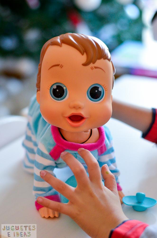 Pekebaby de imc toys el beb interactivo sorprendente que for Espejo que habla juguete