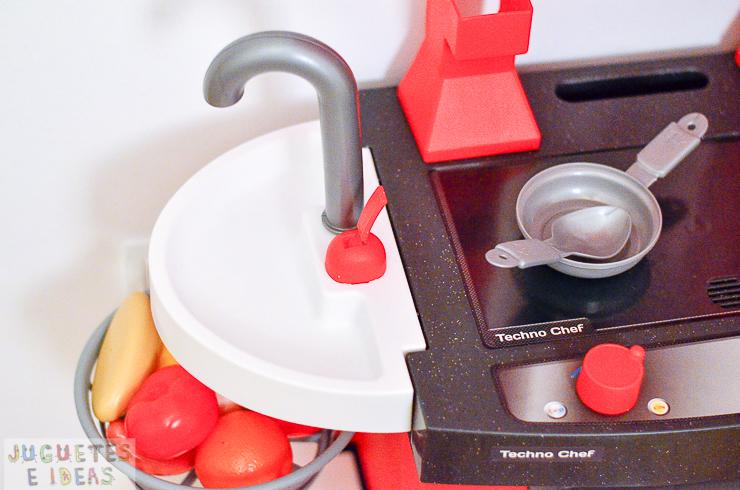 pequeno-chef-cocina-techno-chef-luces-y-sonidos-fabrica-de-juguetes-3