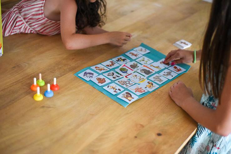 sticky-de-cayro-un-juego-de-mesa-para-rapidos-3