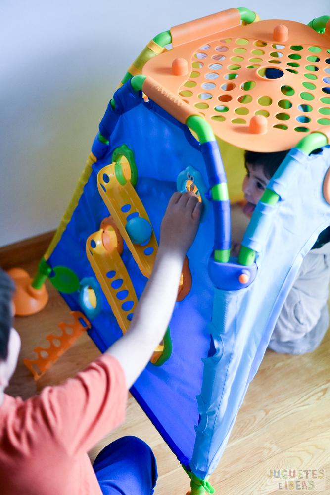 yookidoo-discovery-playhouse-la-casita-plegable-de-actividades-de-toctoys-sorteo-en-juguetes-e-ideas-13