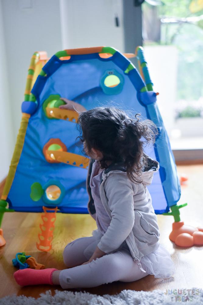 yookidoo-discovery-playhouse-la-casita-plegable-de-actividades-de-toctoys-sorteo-en-juguetes-e-ideas-15