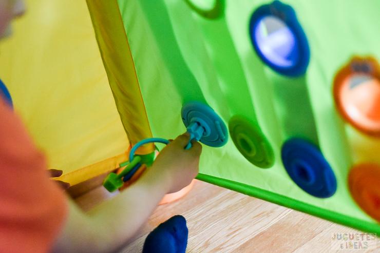 yookidoo-discovery-playhouse-la-casita-plegable-de-actividades-de-toctoys-sorteo-en-juguetes-e-ideas-6