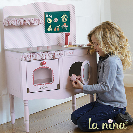 Muñecas de trapo y cocinitas de madera La Nina Diset_Juguetes e ideas-10