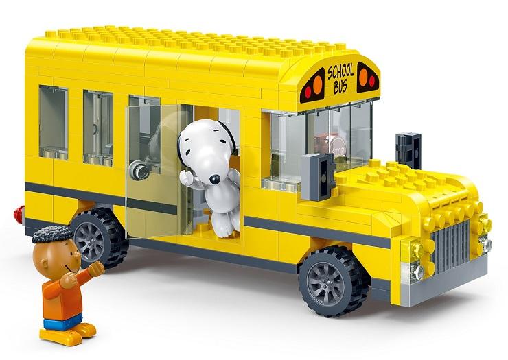 banbao-snoopy-autobus-escolar