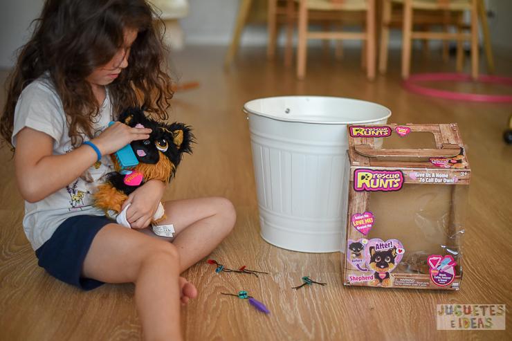 rescue-runts-perrito-busca-hogar-de-bandai-jugueteseideas-3